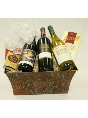 B-7 Three Bottle California Standing Wine Basket
