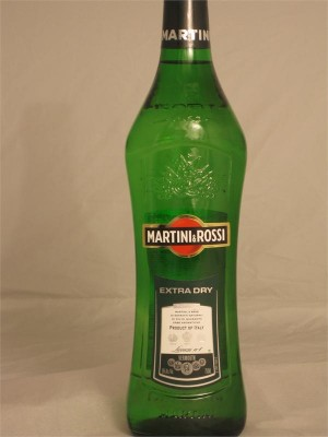Martini & Rossi Extra Dry Vermouth 18% ABV 750ml