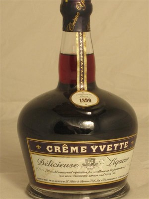 Creme Yvette  Delicieuse Liqueur France Fruit Based 750ml