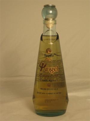 Angel Bendito Tequila Anejo 40% ABV 750ml