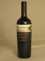 Montes Limited Selection Cabernet Sauvignon (70%) Carmenere (30%) 2006 D. O. Colchagua Valley 14.5% ABV 750ml