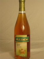 Kedem Cream White (A Creamy Smooth White Grape Wine) 11.5% ABV 750ml Kosher/Passover