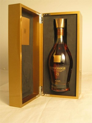Glenmorangie The Quarter Century Perfected by the Sixteen Men of Tain 25 Year Highland Single Malt Scotch Whisky 43% ABV 750ml